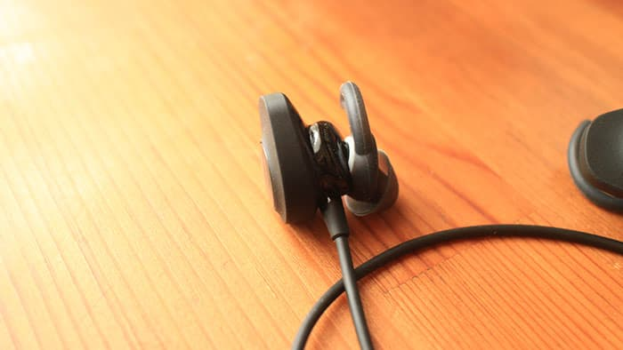 SoundSport wireless headphonesの本体