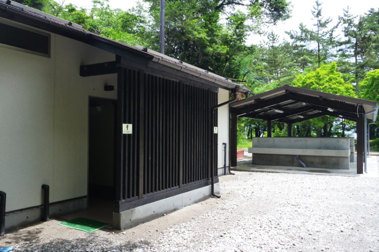 洪庵キャンプ賞のトイレと炊事場